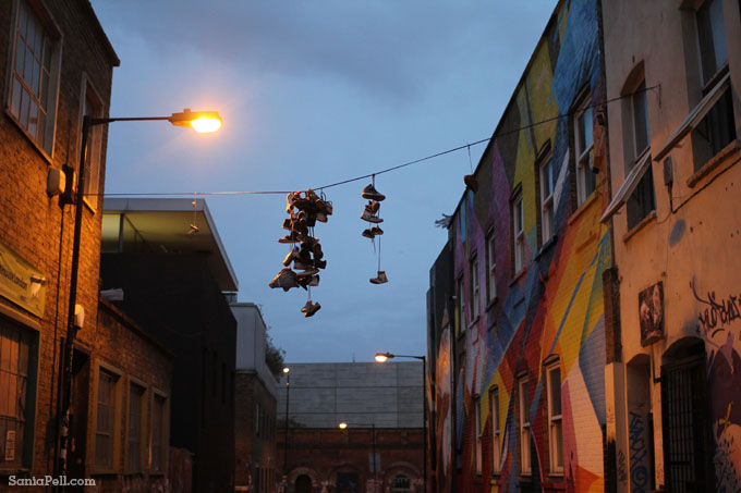 Pop up street art in Shoreditch, photo by Sania Pell