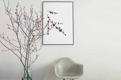 Floral ink drawing by Sania Pell, photo Beth Evans.