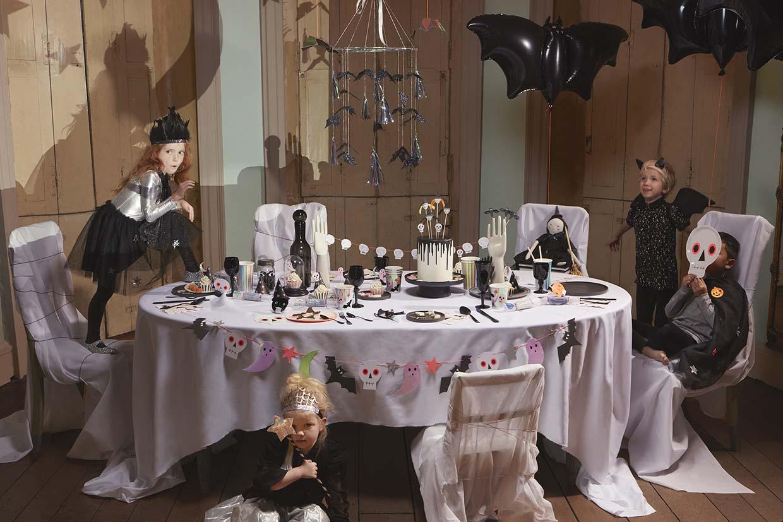 Sania Pell Stylist for Meri Meri, photographer Sandra Freij. Kids lifestyle, interiors and home. Halloween.